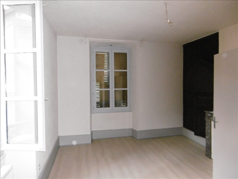 Location appartement Figeac 330€ CC - Photo 3