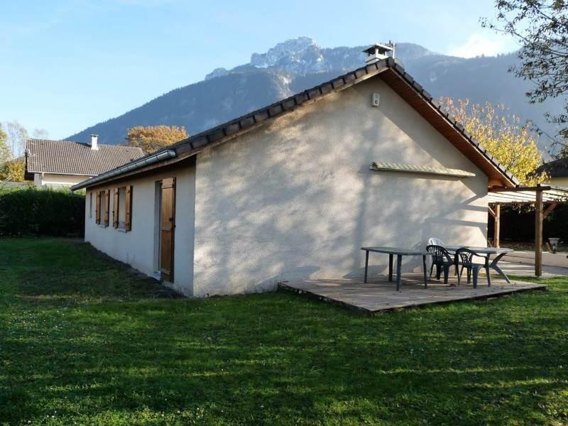 Sale house / villa Saint-pierre-en-faucigny 367000€ - Picture 2