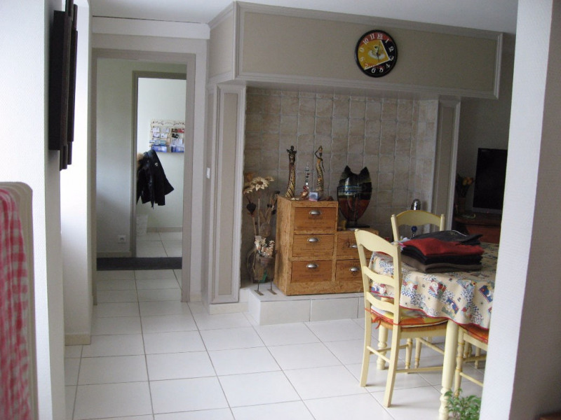 Rental house / villa Boisseuil 820€ CC - Picture 3