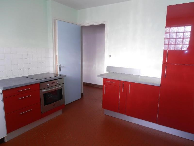 Rental apartment Maillat 596€ CC - Picture 2
