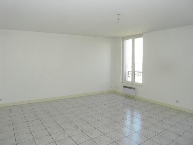 Location appartement Cognac 423€ CC - Photo 3