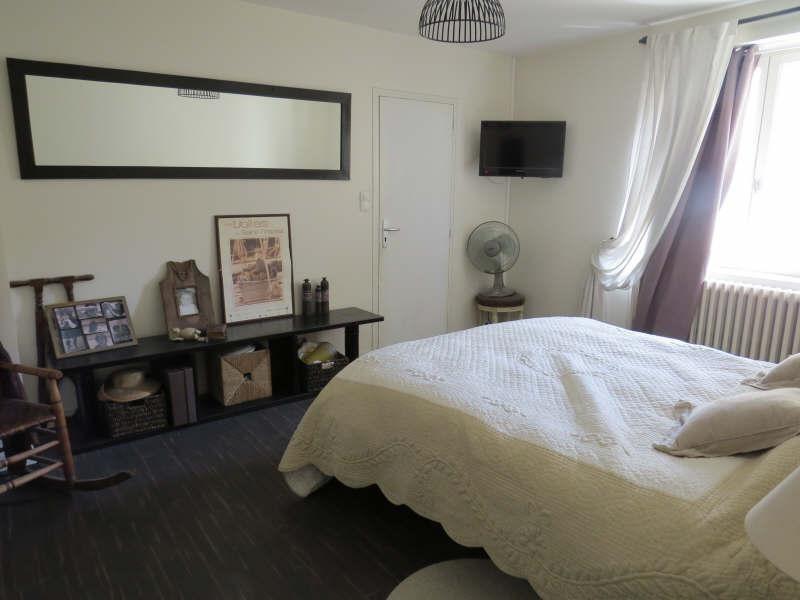 Sale house / villa Le mesnil le roi 695000€ - Picture 6