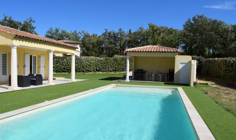 Revenda residencial de prestígio casa Bagnols-en-forêt 598000€ - Fotografia 2