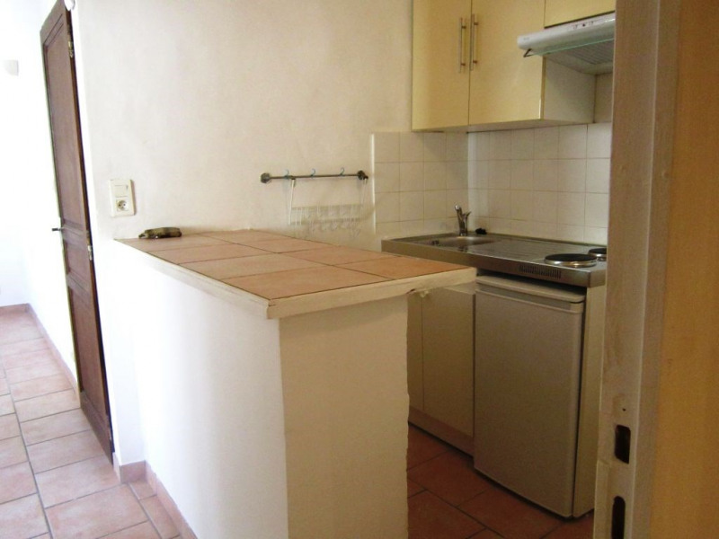 Rental apartment Lambesc 520€ CC - Picture 1