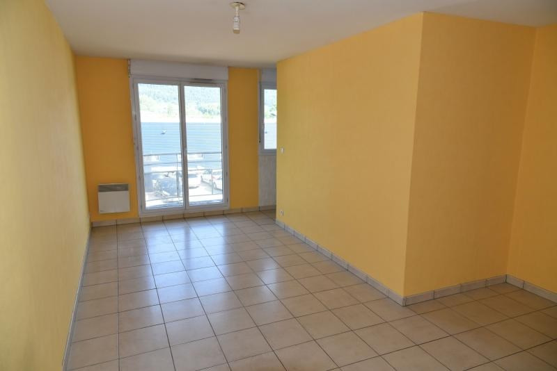 Rental apartment Bellignat 363€ CC - Picture 1