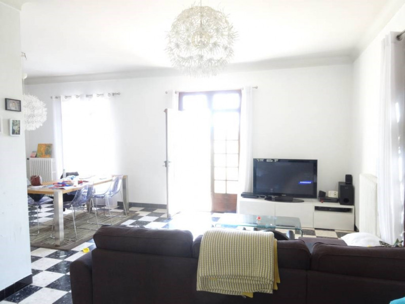 Location appartement Villeneuve-les-avignon 880€ CC - Photo 3