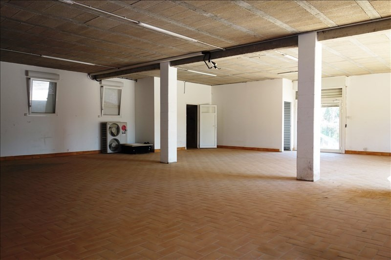 Location local commercial La londe les maures 3 000€ +CH/ HT - Photo 5