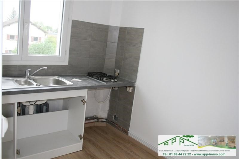Rental apartment Athis mons 550€ CC - Picture 2