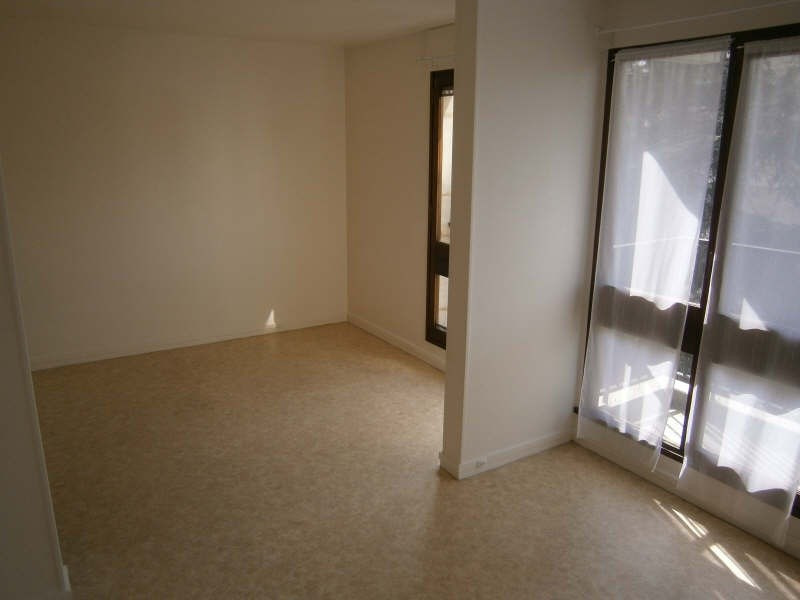 Location appartement Le chesnay 601€ CC - Photo 2