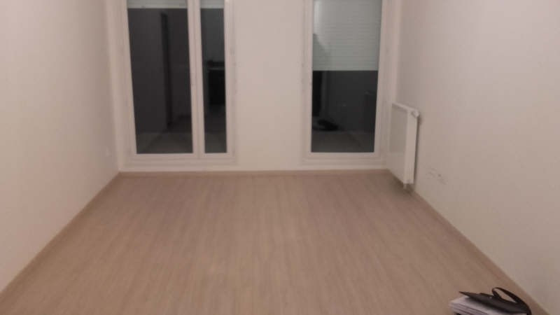 Rental apartment Andresy 795€ CC - Picture 1