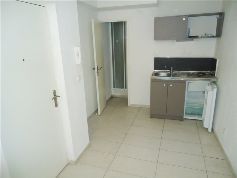 Location appartement Toulon 350€ CC - Photo 1