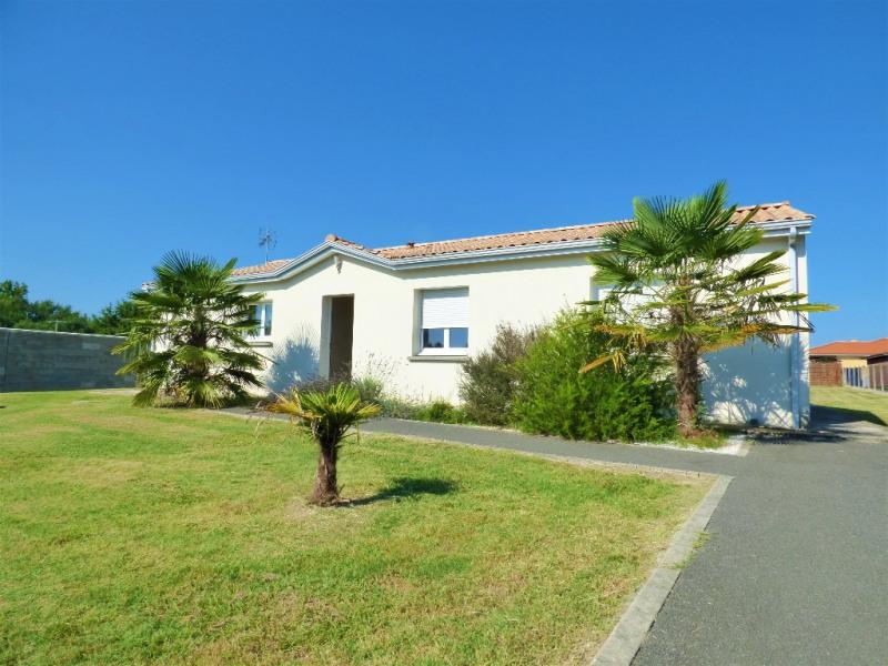 Sale house / villa Gauriaguet 220000€ - Picture 1
