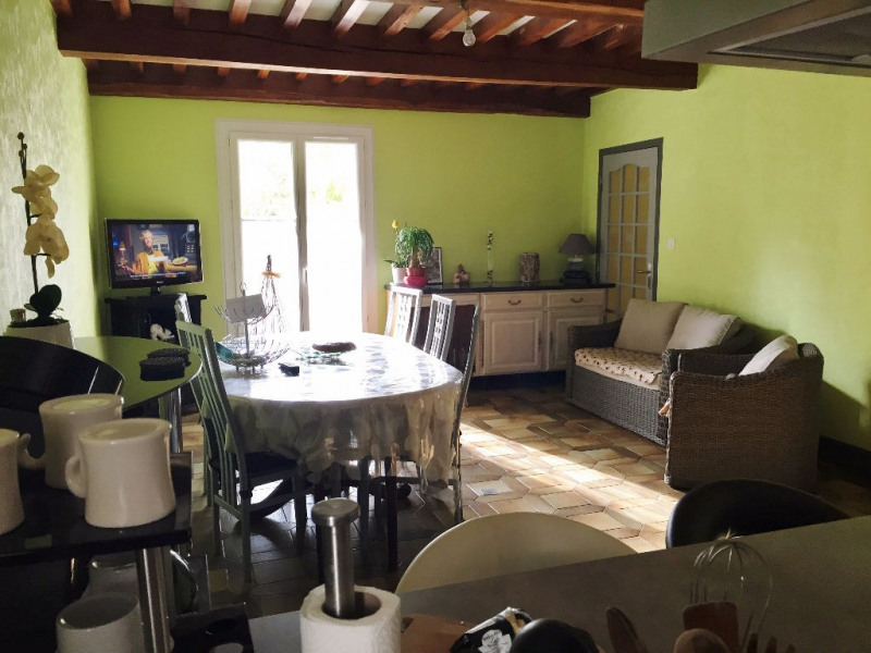Location maison / villa Sardieu 700€ CC - Photo 4