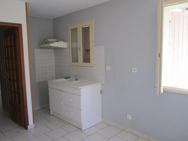 Rental house / villa Baignes-sainte-radegonde 570€ CC - Picture 3
