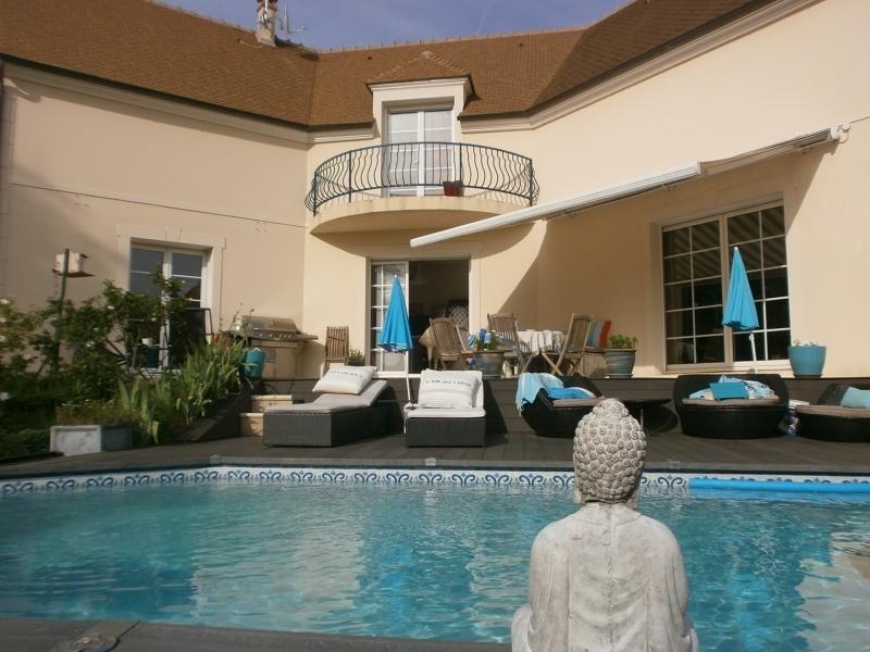 Deluxe sale house / villa Orgeval 850000€ - Picture 1