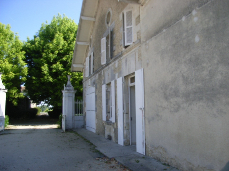 Vente maison / villa Barbezieux-saint-hilaire 250 000€ - Photo 3