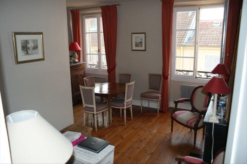 Vente appartement Versailles 367000€ - Photo 1