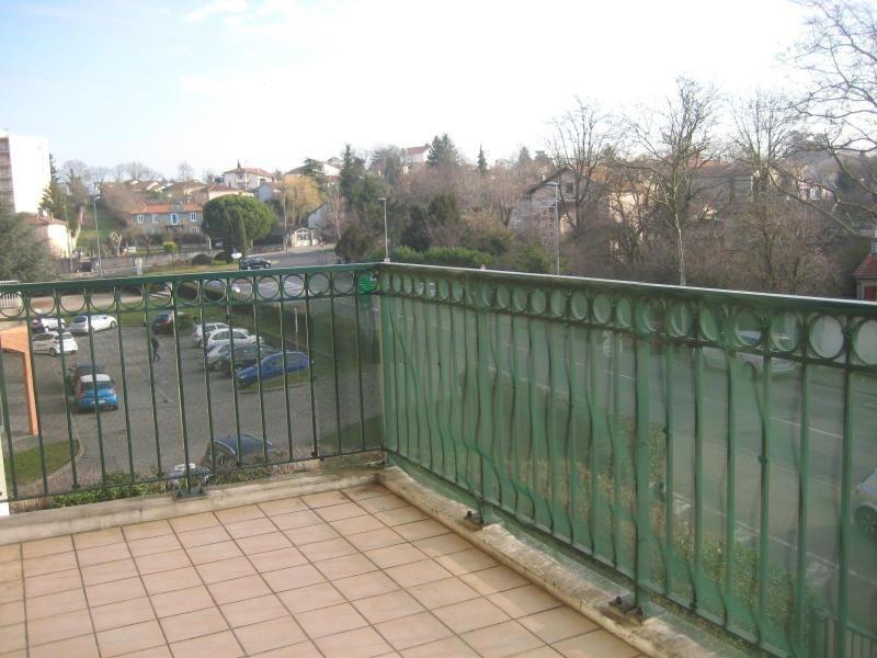 Location appartement Decines 642€cc - Photo 2