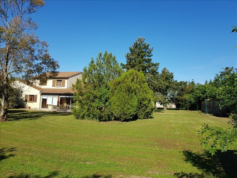 Vente maison / villa Thaire 410280€ - Photo 1