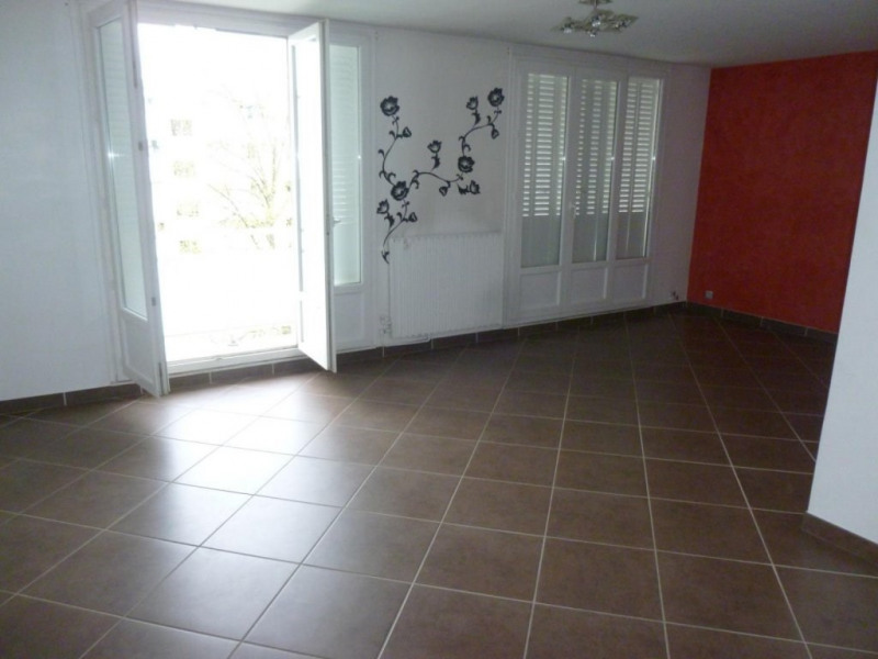 Rental apartment Saint-martin-d'hères 725€ CC - Picture 4