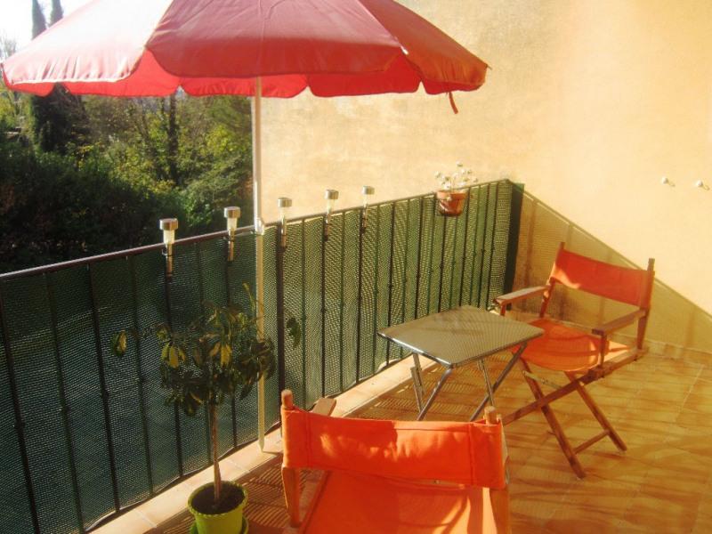 Rental apartment Lambesc 650€ CC - Picture 2