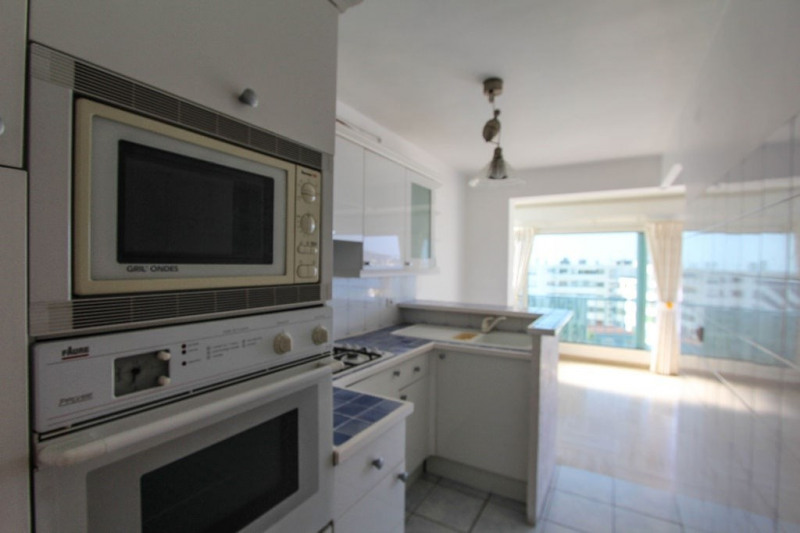 Sale apartment Juan les pins 468 000€ - Picture 6