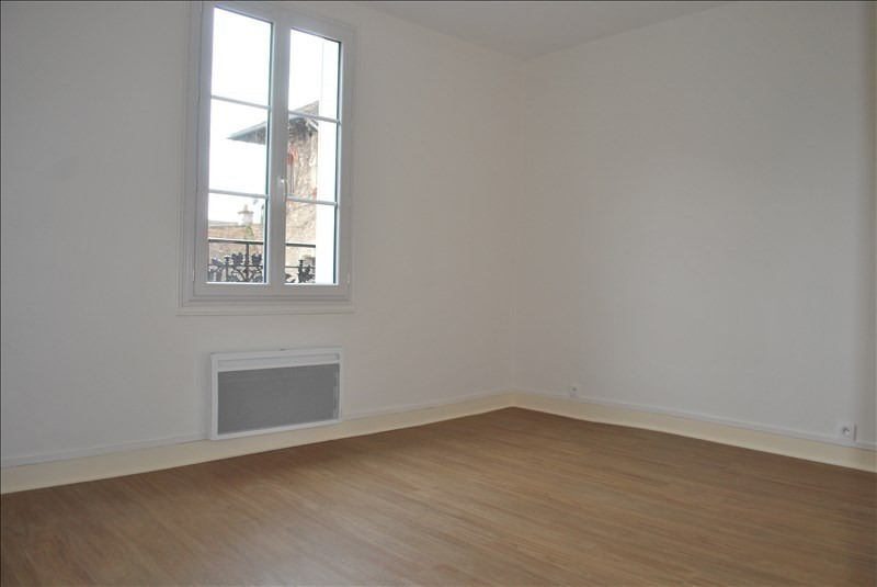 Rental apartment Rambouillet 890€ CC - Picture 2