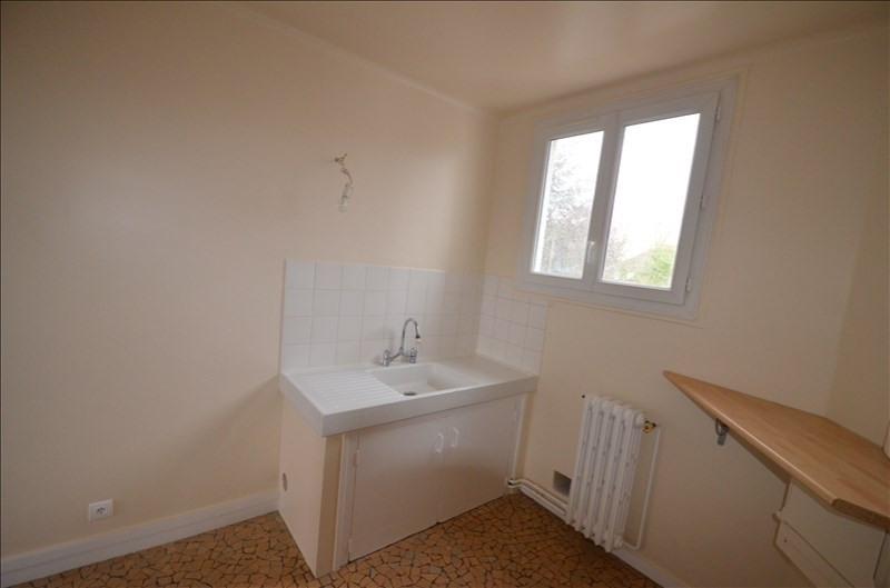 Rental apartment Le vesinet 791€ CC - Picture 6
