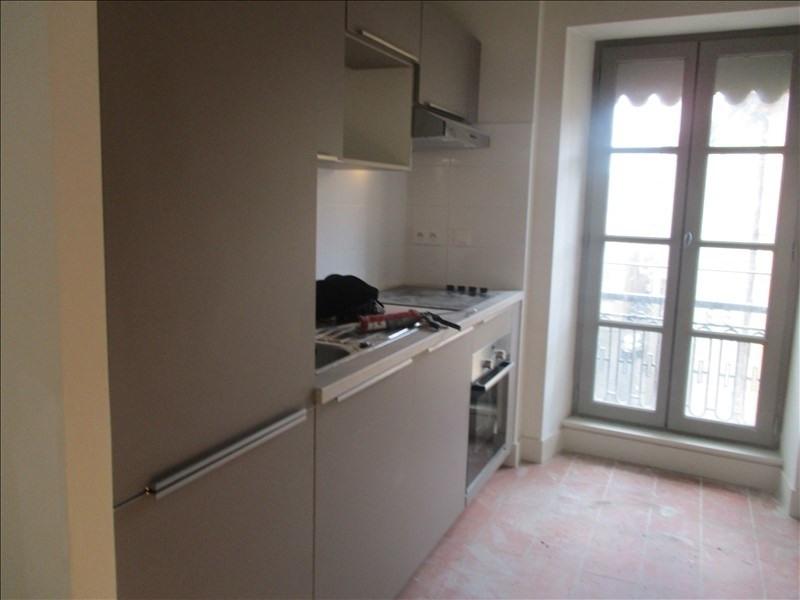 Verhuren  appartement Nimes 586€ CC - Foto 6