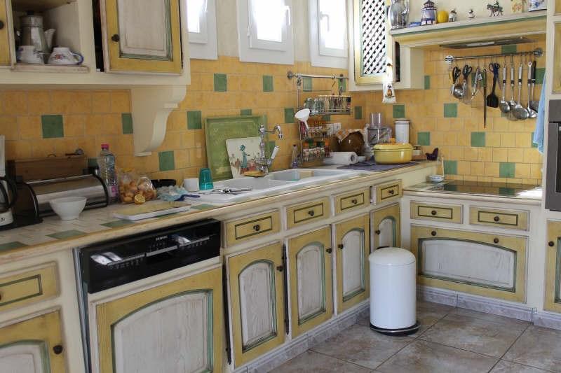 Sale house / villa Monteux 378000€ - Picture 6