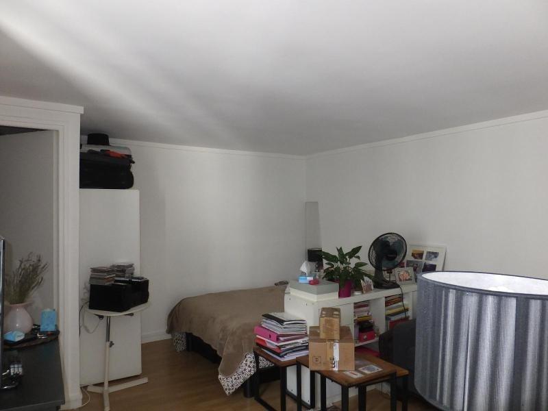 Location appartement Paris 3ème 954,66€ CC - Photo 3