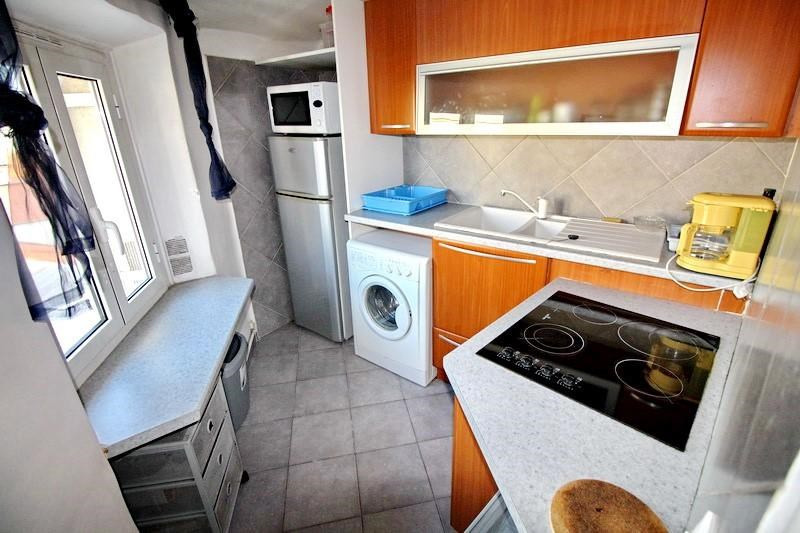 Rental apartment Nice 751€ CC - Picture 2