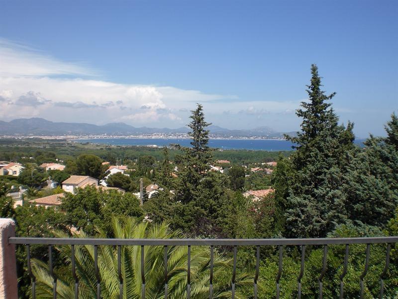 Sale house / villa Saint-aygulf 750000€ - Picture 1