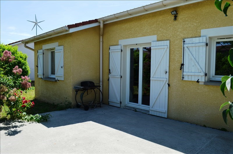 Sale house / villa Lapeyrouse mornay 154 000€ - Picture 1