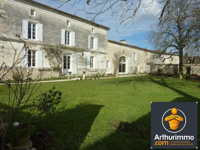 Sale house / villa Aigre 399000€ - Picture 1