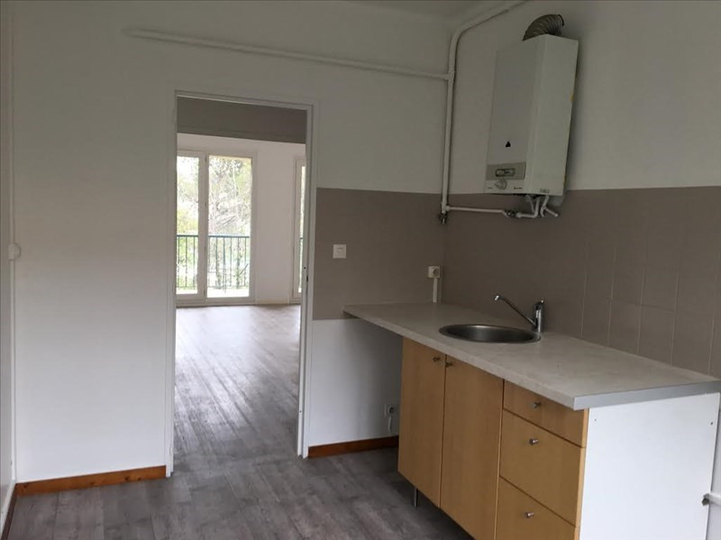 Location appartement Aix en provence 910€ CC - Photo 3