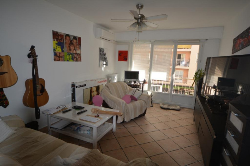 Sale apartment Antibes 245000€ - Picture 1