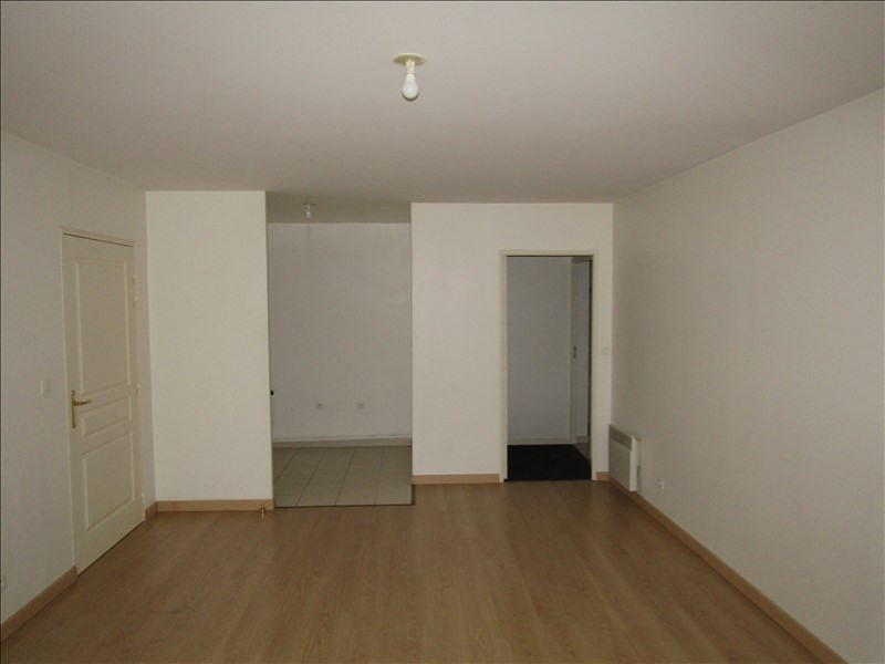Location appartement Pontoise 798€ CC - Photo 2