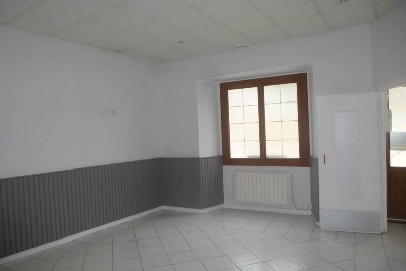 Vente maison / villa Pont-de-labeaume 86300€ - Photo 2