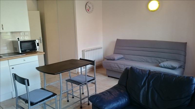 Rental apartment Bourgoin jallieu 460€ CC - Picture 2