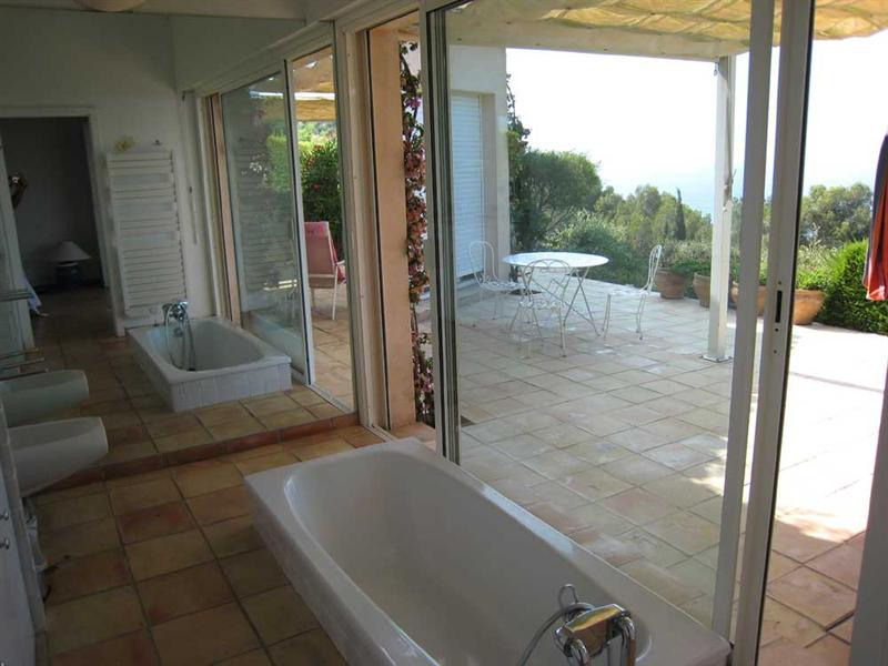Vacation rental house / villa Cavalaire sur mer 2 500€ - Picture 16