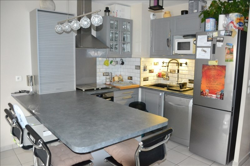 Sale apartment Osny 214900€ - Picture 2