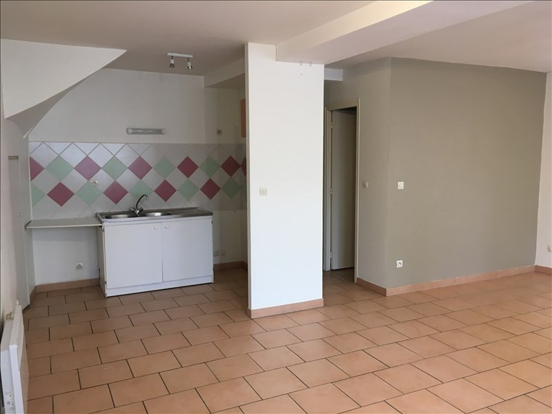 Rental apartment Vendome 420€ CC - Picture 1