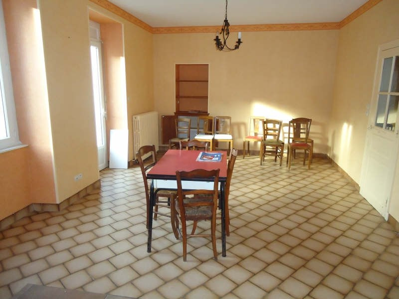Sale house / villa Jallais 80 940€ - Picture 5