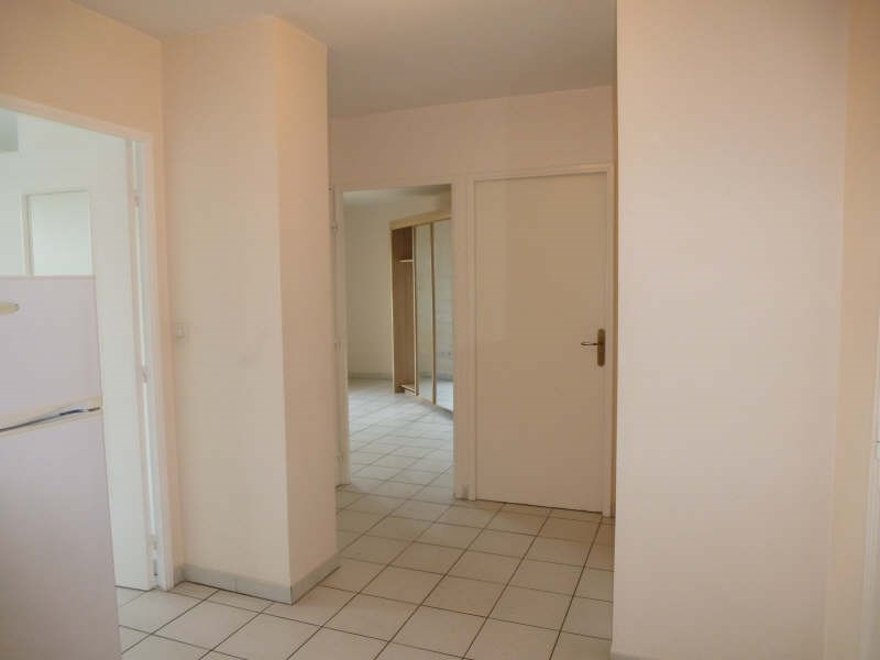Location appartement Nimes 550€ CC - Photo 3