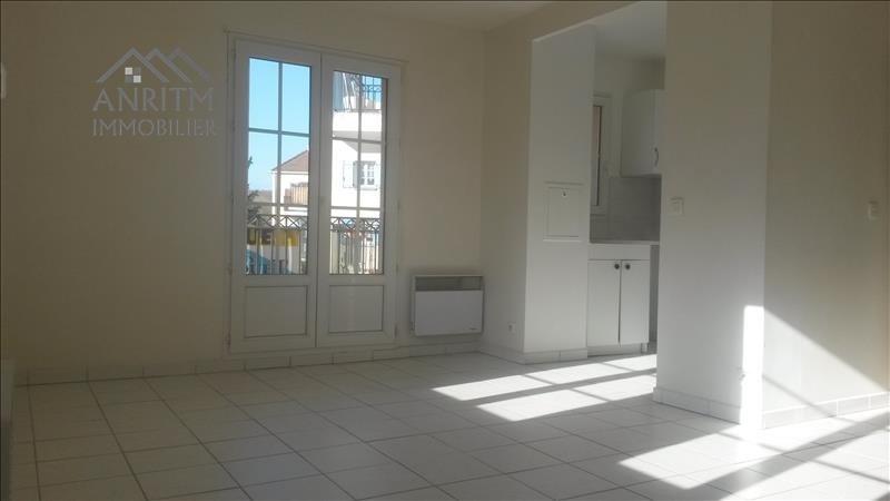 Rental apartment Plaisir 760€ CC - Picture 3
