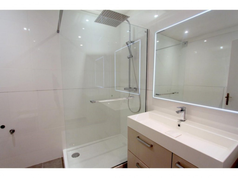 Sale apartment Nice 385000€ - Picture 1