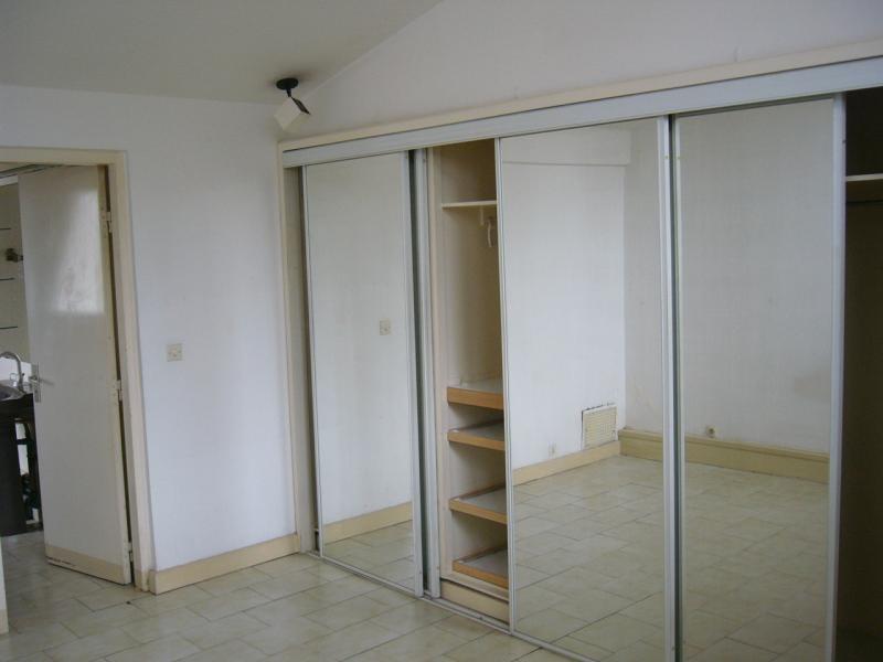 Location appartement St denis 858€ CC - Photo 3