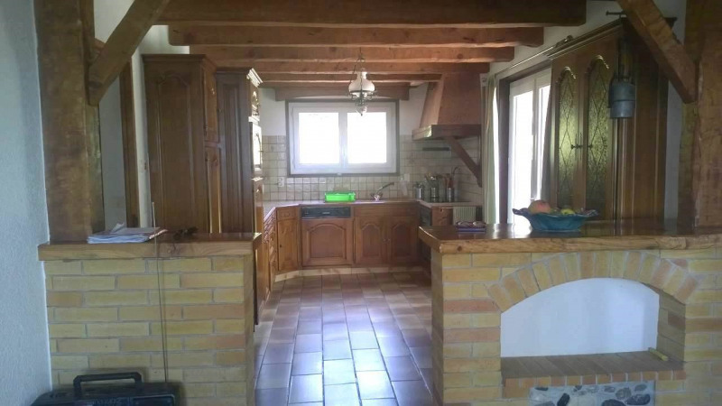 Location maison / villa Cranves-sales 2 200€ CC - Photo 4