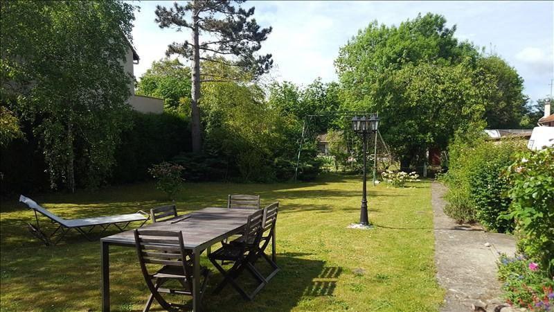 Sale house / villa Saint-pierre-du-perray 355000€ - Picture 1